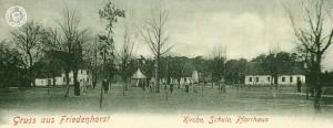 Jastremske, links im Hintergrund, die alte, aber bereits ausgebaute, ehem. evgl. Kirche / Postkartenausschnitt