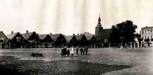 Tafel XVI Rakwitz, Laubenhaeuser am Markt - Aufn. um 1900
