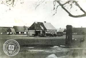 Rathaus bzw. Communalgefängnis der Stadtcommune - 1864 / Bild: Stadtbibliothek Nowy Tomysl - Hier könnte auch die Stadtwaage untergebracht gewesen sein