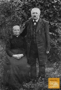 Die Großeltern mütterlicherseits Bernhard Bruck † 1938 und dessen 1. Ehefrau Emma, geb. Steinborn † 1901