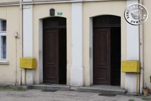 Der in früherer Zeit gebaute Doppeleingang zum ehemaligen Städtischen Krankenaus und dem Gefängnis - Eigenaufn.