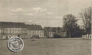 Der ehemalige Alte Markt - rechts das ehemalige Pastorhaus - Ansichtskarte aus der Sammlung des Wojtek Szkudlarski