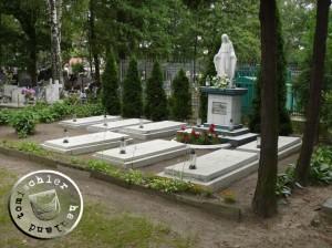 Grabstätte der Ordens-Schwestern Mägde Mariens von der Unbefleckten Empfängnis der Jungfrau Maria auf dem katholischen Friedhof in Nowy Tomysl - 2013 - Bild: PM