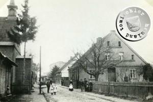 Hinterstraße in Höhe der evgl.-Luth. Kirche und des Pfarrhauses, um 1895 - Bild Maennel Archiv