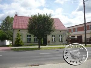 Das unter dem Mühlenflügel erkennbare Haus in der 3. Stycznia im Jahr 2012 - Aufn. PM