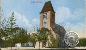 Nowy kościół w Jastrzębsku Starym, a tle można dostrzec stary Dom Boży - Ze zbiorów Arno Krafta.