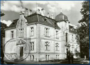 Das Stadtamt in den 60iger Jahren bevor der Anbau errichtet wurde - Bild: Kreis- und Stadtbibliothek von Nowy Tomyśl