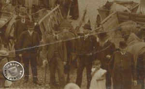 Die Honorationen der Stadt; nicht bekannt ist wer Bürgermeister Witte, welcher auf dem Bild zu sehen sein soll, ist / Bild: Privatbesitz Familie Goldmann