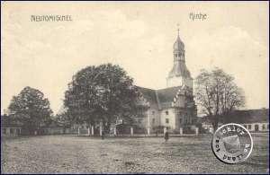 """Die ehem. evgl. Kirche mit ihrem """"schlanken"""" Kirchturm, dem damaligen Wahrzeichen der Stadt - AK aus der Sammlung des Wojtek Szkudlarski"""