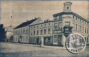 """Die Südseite des ehemaligen """"Alten Marktes"""" mit der Stadtschule / Ansichtkarte aus der Sammlung des Wojtek Szkudlarski"""