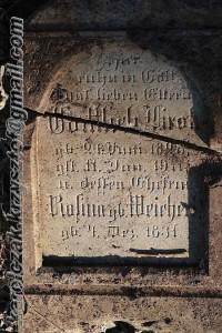 Die Inschrift des Grabsteines der Familie Krok - Weichert
