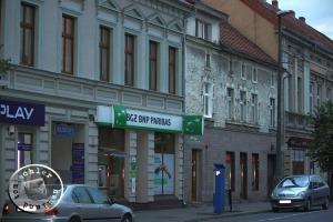 Das Gebäude in der Mitte ist das der ehem. No. 74 / Aufn. GT
