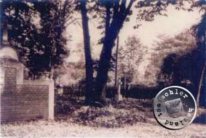 Blick auf den ehem. Friedhof - Bild Maennel Archiv