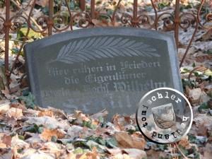 Grabstein der Eheleute Schüler auf dem Friedhof Boruy / Aufnahme Przemek Mierzejewski