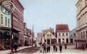 Grätz - Alter Markt, links vorn im Bild die frühere Conditorei Jaeger: rechts die Rückseite des ehem. Rathauses / Ansichtskarten Nachdruck