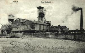 """Postkarte, 1908, mit der Handschrift """"Die Unglückszeche"""" / Bild: https://commons.wikimedia.org/wiki/Category:Gedenkst%C3%A4tte_Zeche_Radbod?uselang=de"""