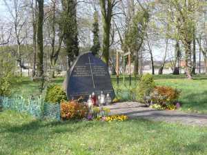 April 2017 - das Gelände des ehemaligen evangelischen Friedhofes / Aufn. PM